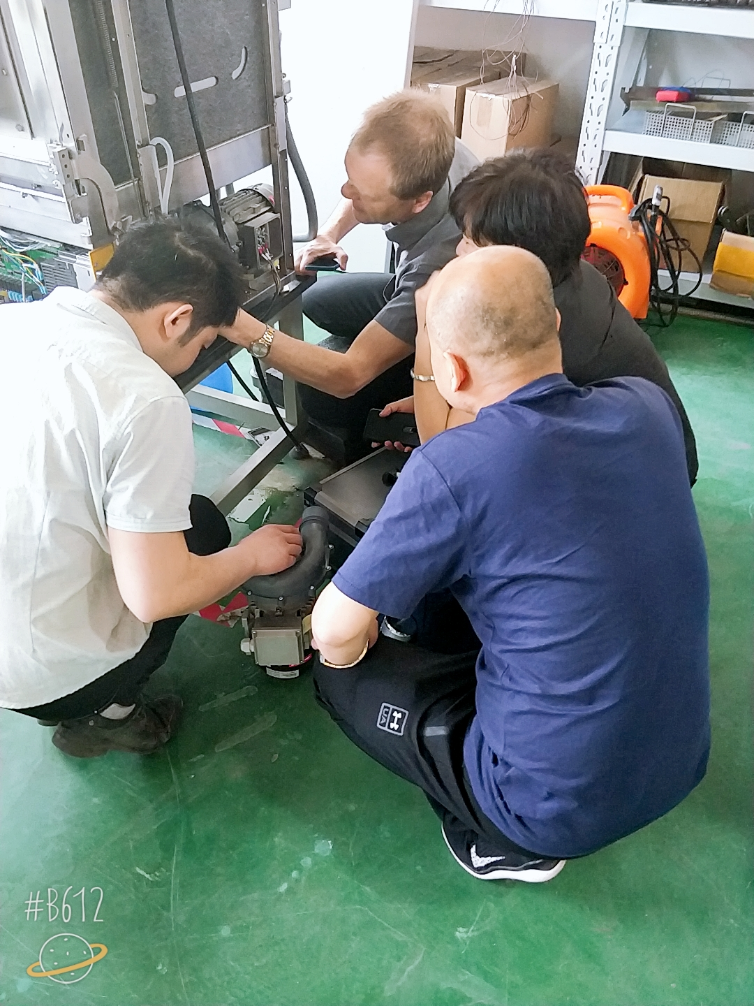 Warmly welcome foreign manufacturers to visit our company for technical training.